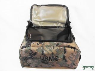 14bbd7018220 このMarine Corps Shave Kit Bag - digital woodland 米海兵隊 シェービングバッグ デジタルカモ  グリーン はPXで販売されている物です。